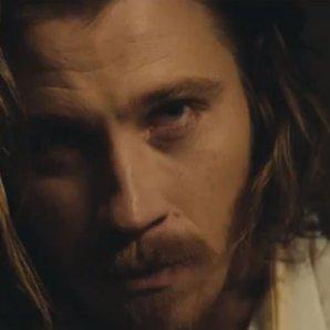 Kings of Leon Beautiful War video