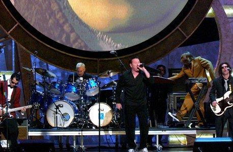 Smash Mouth Performing in 2002 behind Shrek Backdr