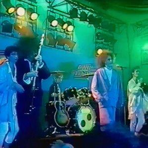 The Cure and Bananarama on TV 1985
